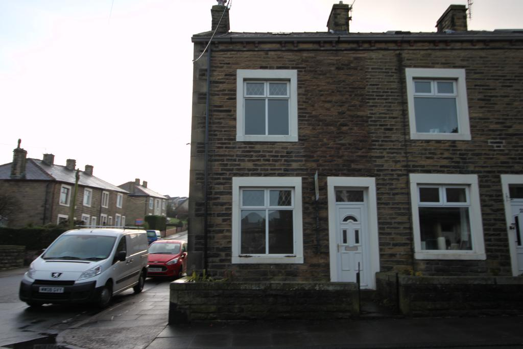 2 Bedrooms Terraced House for rent in Barnoldswick BB18