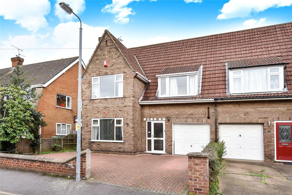 3 Bedrooms Semi Detached House for sale in Swallowbeck Avenue, Lincoln, LN6