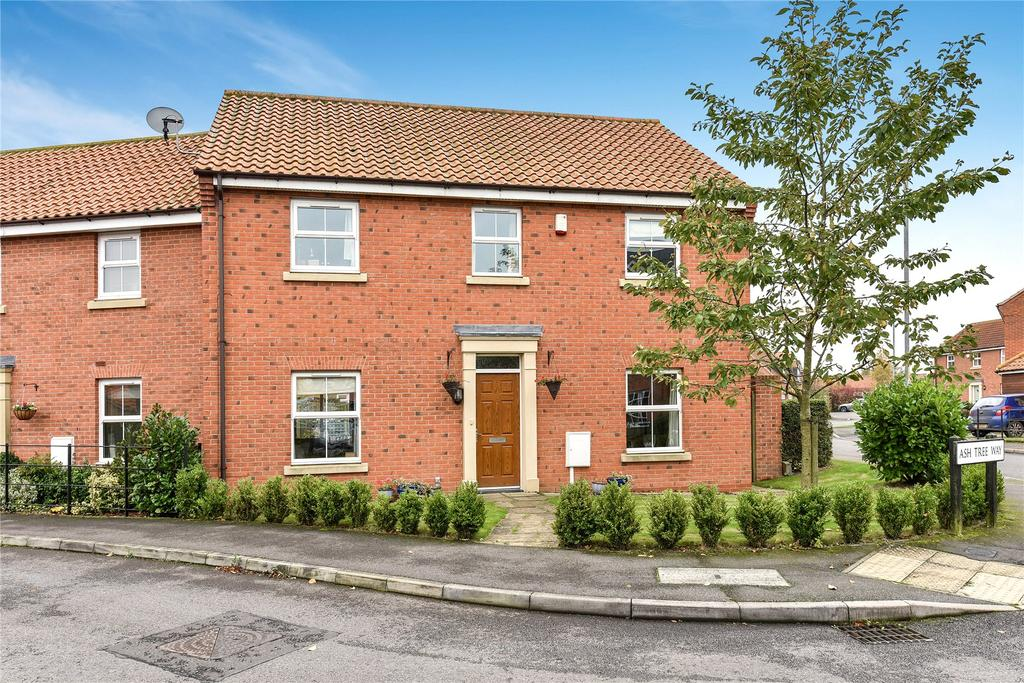 4 Bedrooms Semi Detached House for sale in Manor Paddocks, Bassingham, LN5