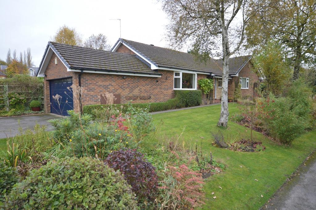 3 Bedrooms Detached Bungalow for sale in Fernwood, Marple Bridge, Cheshire