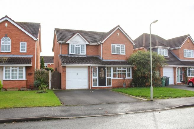 4 Bedrooms Detached House for sale in 6 Fallow Deer Lawn, Newport, Shropshire, TF10 7JF