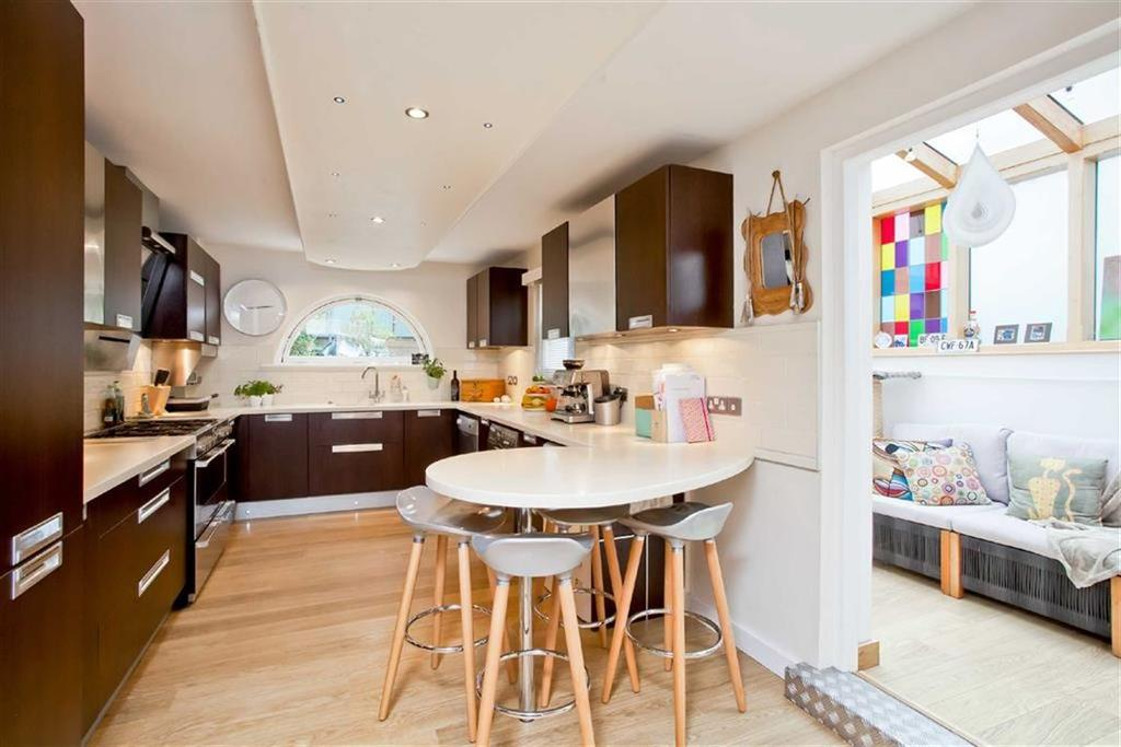 4 Bedrooms Terraced House for sale in Southdown Avenue, Brighton, East Sussex