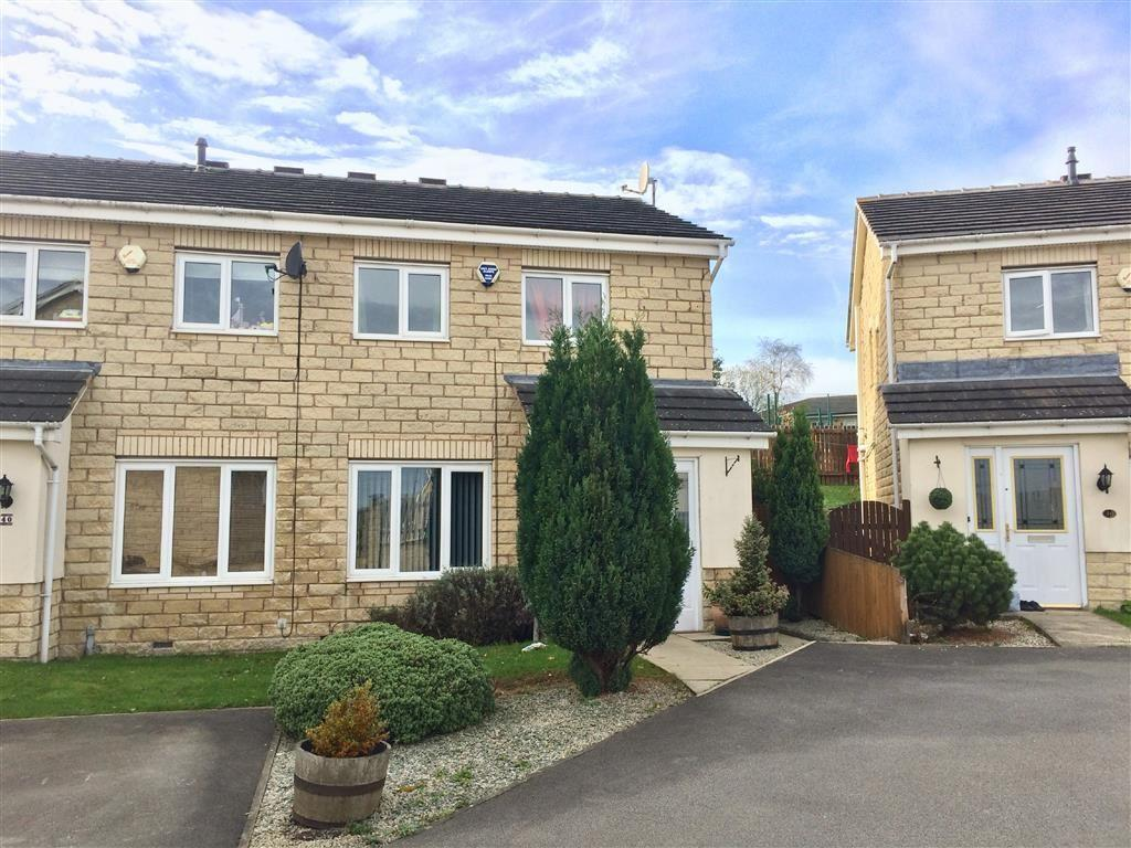 3 Bedrooms Semi Detached House for sale in College Avenue, Lindley, Huddersfield, HD3