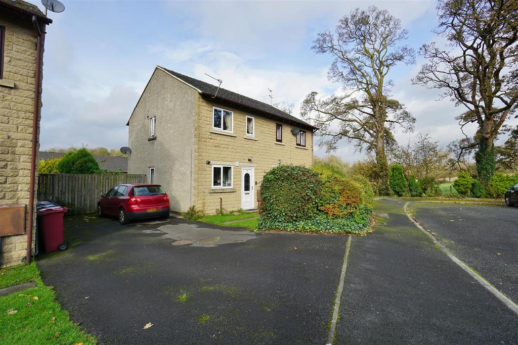 2 Bedrooms Semi Detached House for sale in Kiln Close, Clitheroe