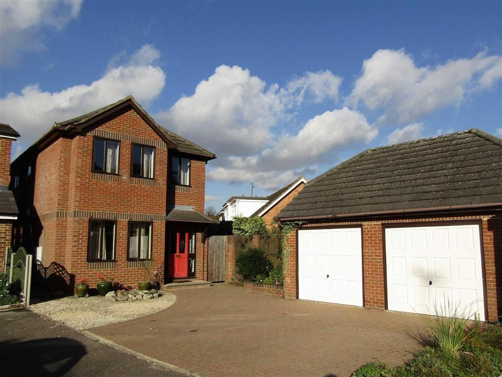 4 Bedrooms Detached House for sale in The Paddock, Hitchin, SG4