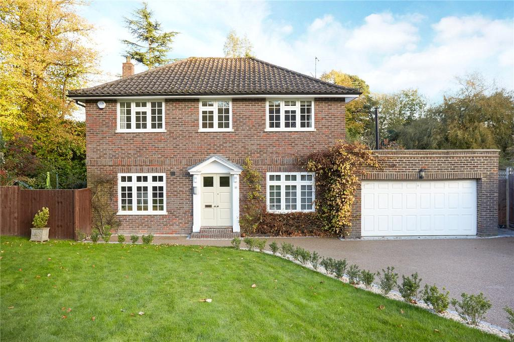 4 Bedrooms Detached House for sale in Huntersfield Close, Reigate, Surrey, RH2