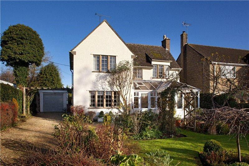 3 Bedrooms Detached House for sale in Churchfields, Stonesfield, Witney, Oxfordshire, OX29