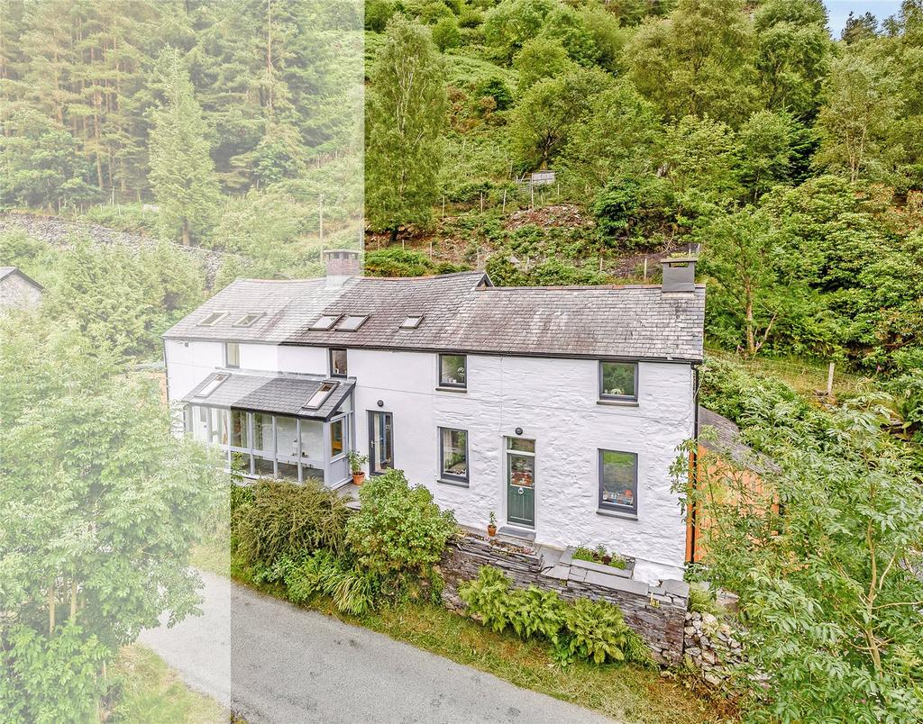 3 Bedrooms Semi Detached House for sale in Penrhos Cottages, Corris, Machynlleth, Gwynedd