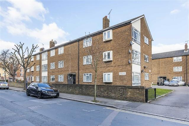 2 Bedrooms Flat for sale in Ryder Court, 42 Church Road, Leyton