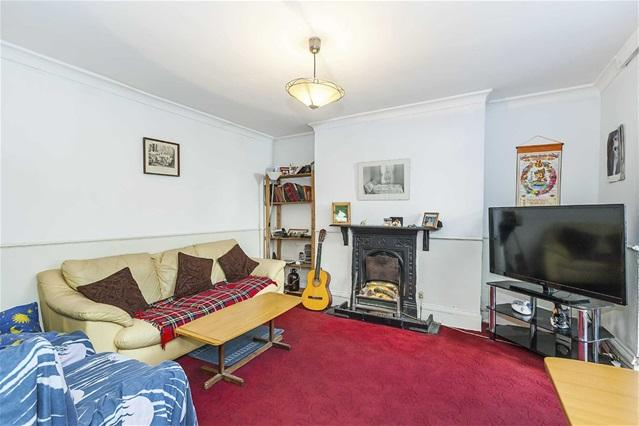 1 Bedroom Flat for sale in Vicarage Road, Leyton