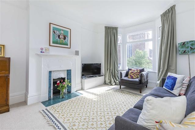 4 Bedrooms Flat for rent in Grange Park Road, Leyton
