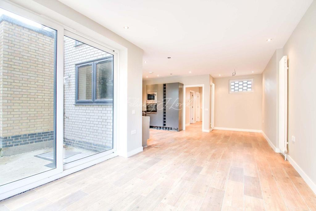4 Bedrooms End Of Terrace House for sale in Bellot street, Greenwich, London, SE10 9AH