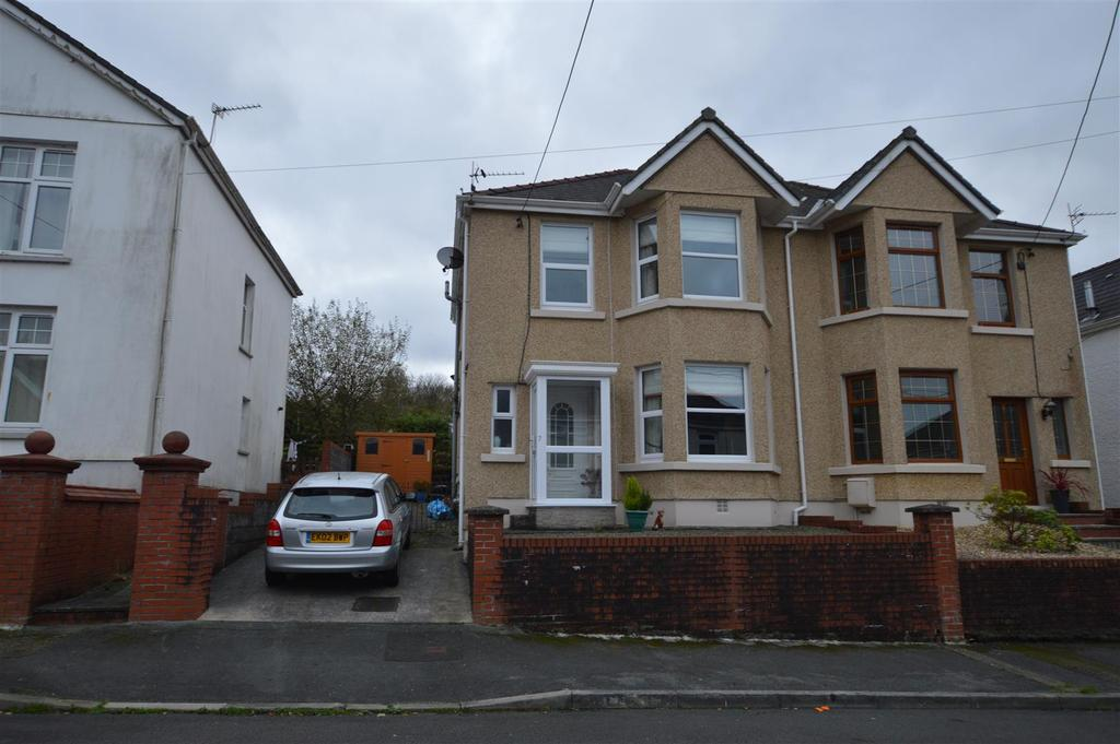 3 Bedrooms Semi Detached House for sale in Garnant, Ammanford
