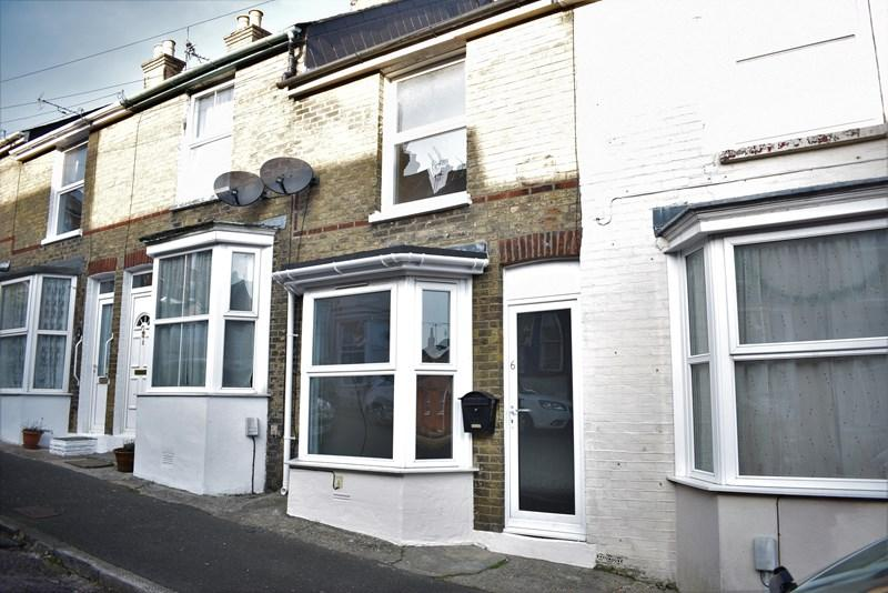 2 Bedrooms Terraced House for rent in Stanley Road, Cowes