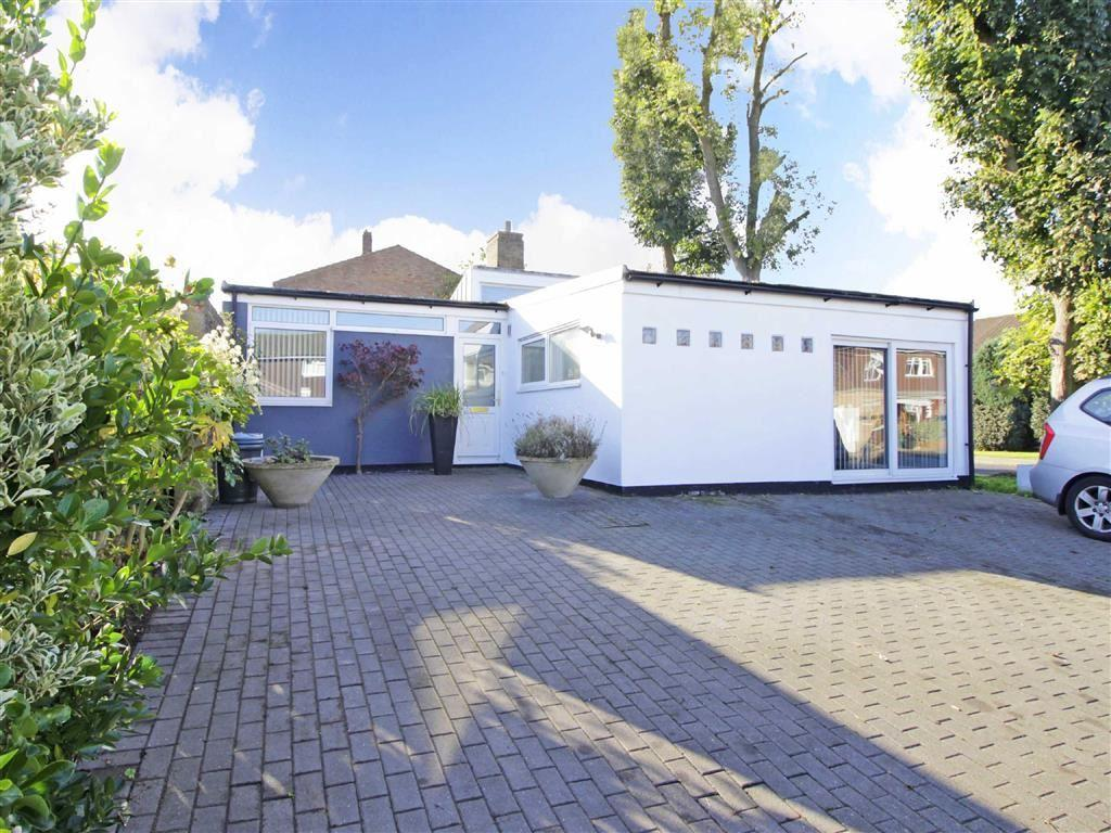 3 Bedrooms Detached Bungalow for sale in Letchworth Close, Hayes, Kent