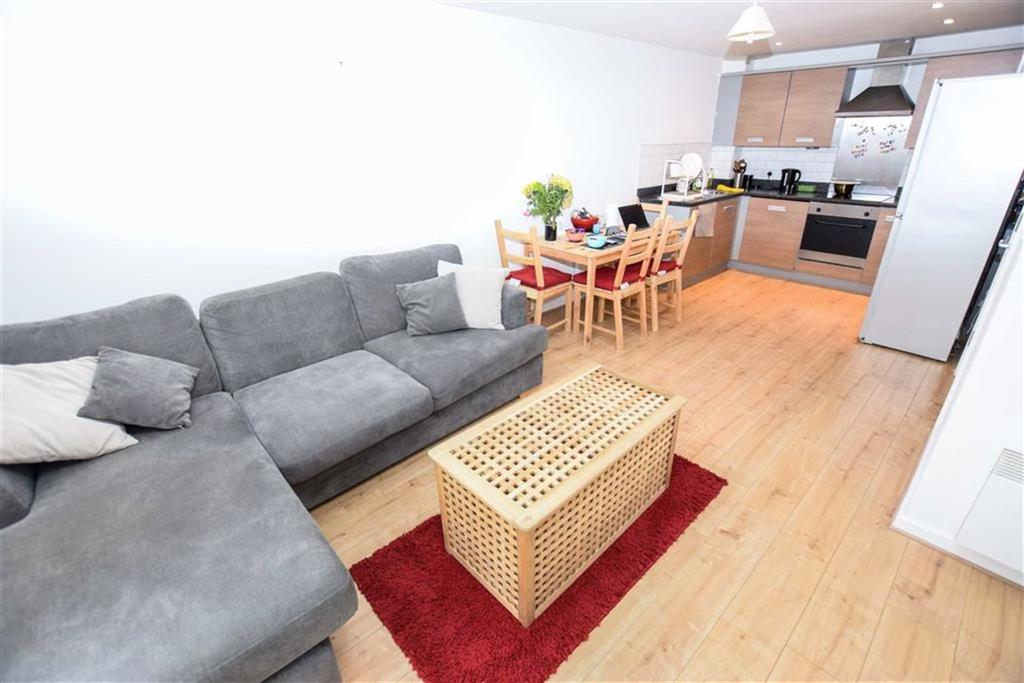 1 Bedroom Apartment Flat for sale in Pioneer House, Salford Quays, Manchester, M5