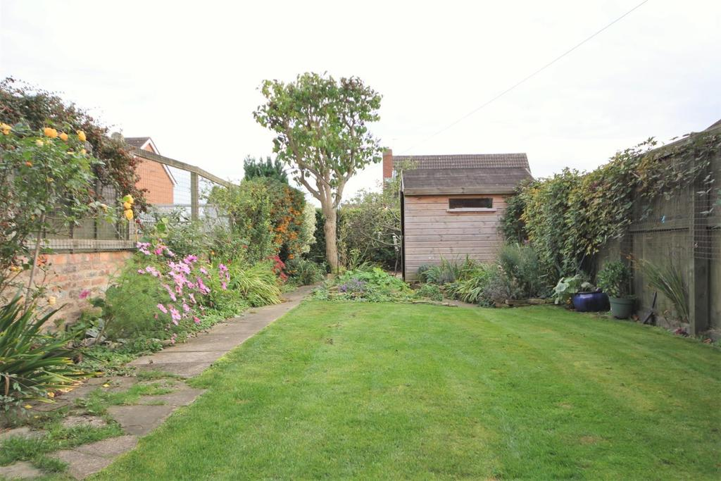 2 Bedrooms Terraced House for sale in York Street, Dunnington YO19