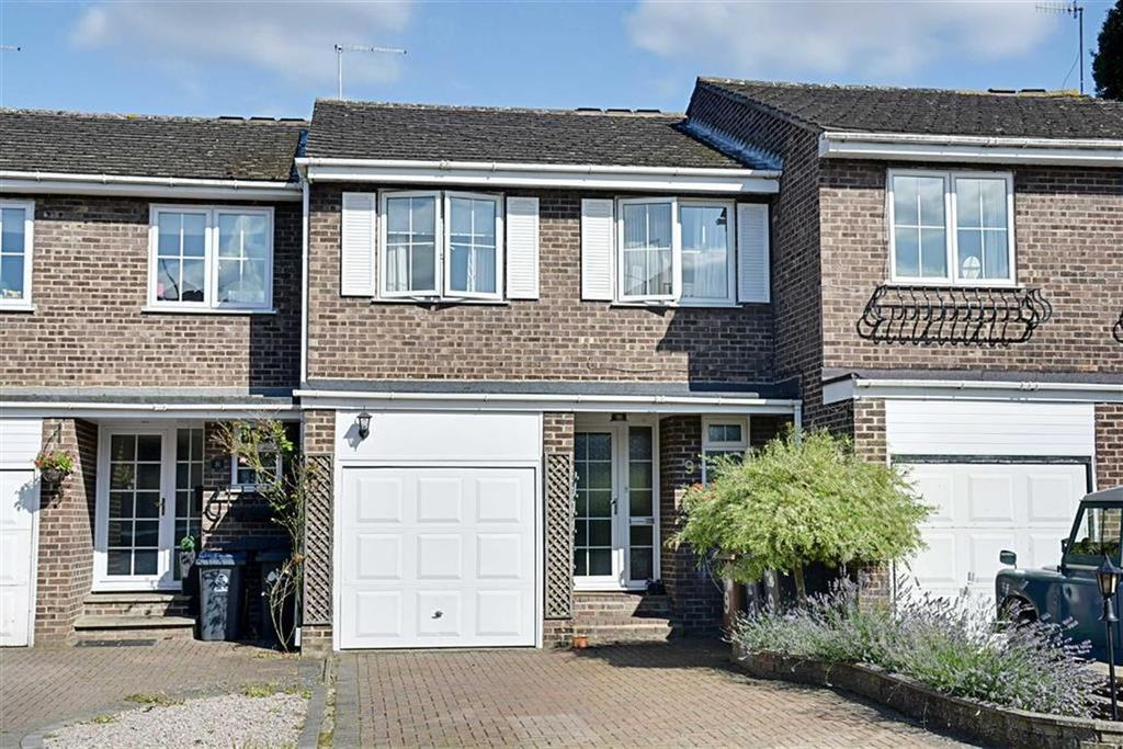 4 Bedrooms Terraced House for sale in Glovers Close, Hertford, Herts, SG13