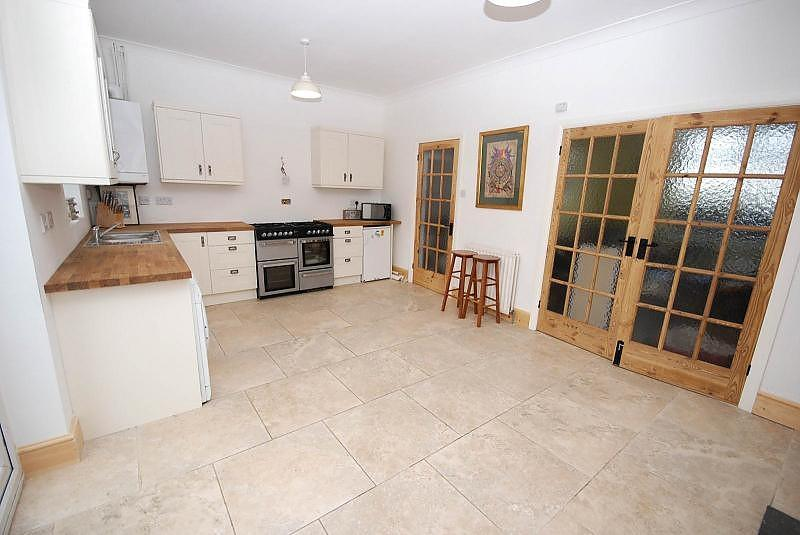 3 Bedrooms Terraced House for sale in South View West, Rowlands Gill