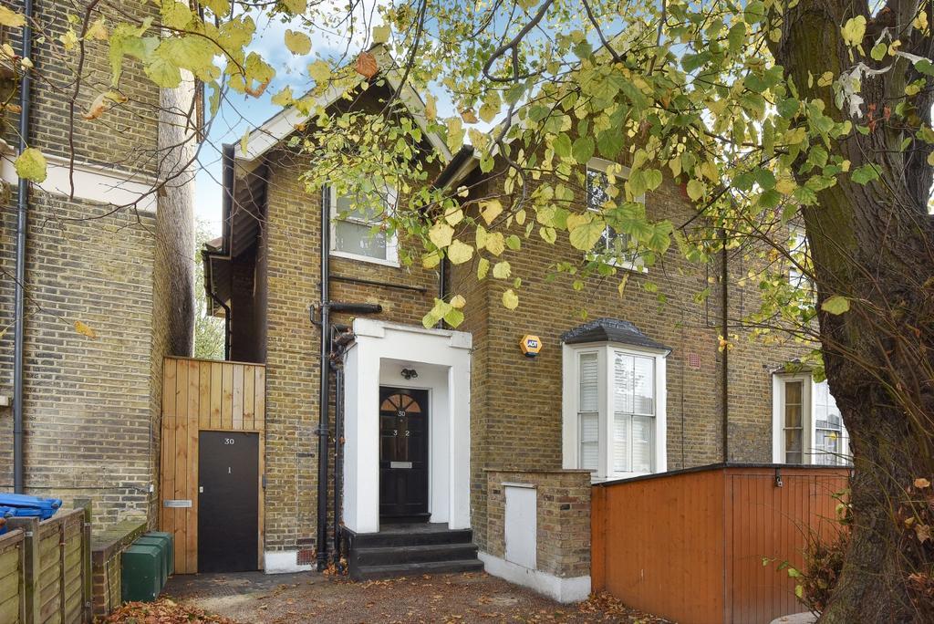 2 Bedrooms Flat for sale in Bird In Bush Road Peckham SE15