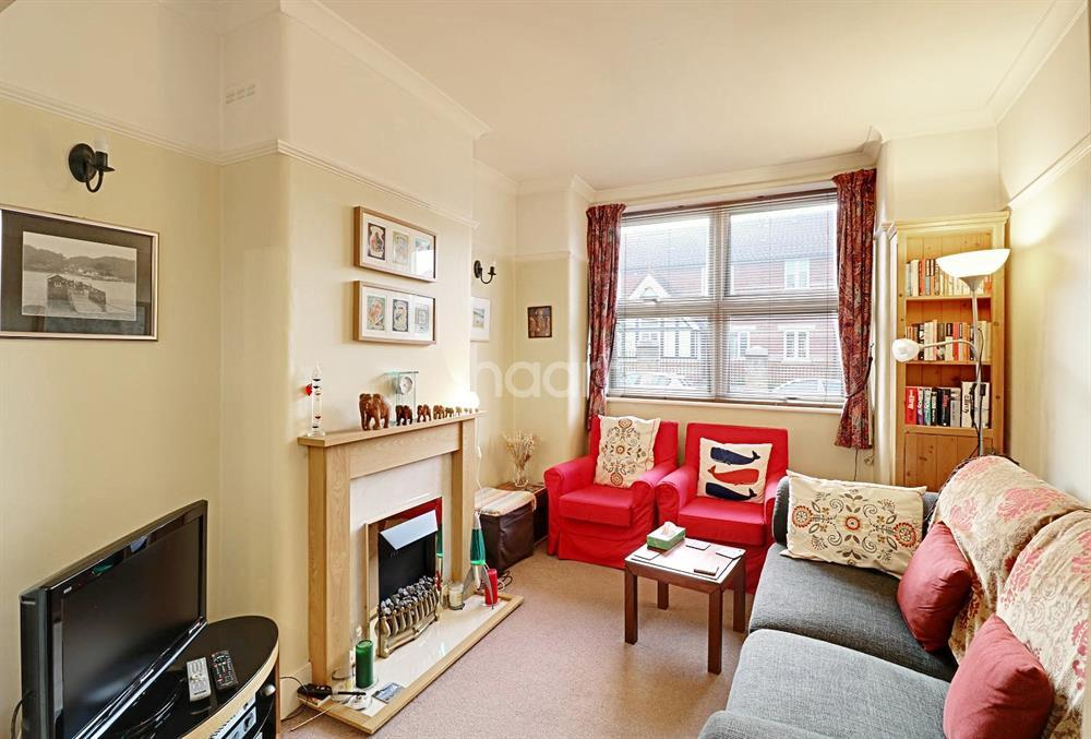 3 Bedrooms Terraced House for sale in Brunswick Crescent, New Southgate, N11