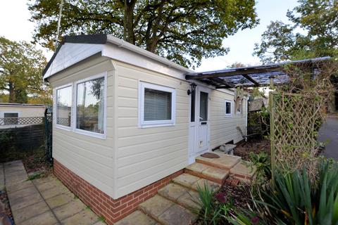 1 bedroom park home for sale - 9th Avenue, Garston Park, Tilehurst, Reading