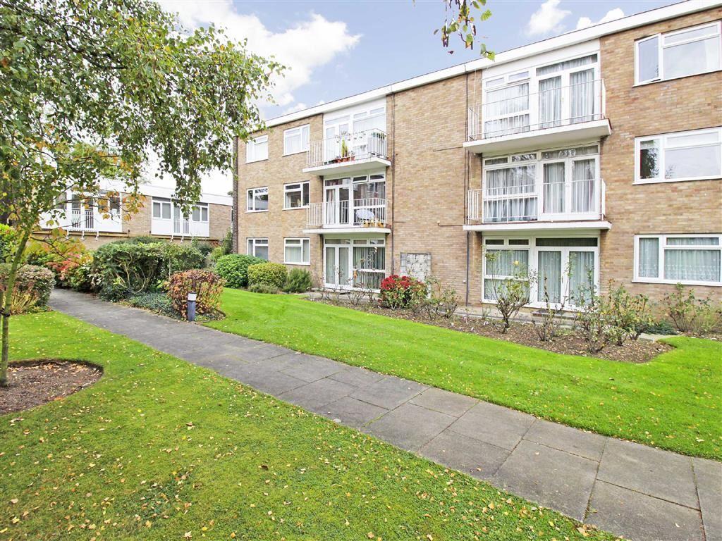 2 Bedrooms Flat for sale in 14 Rectory Road, Beckenham, Kent