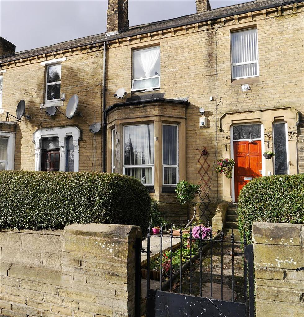 3 Bedrooms Terraced House for sale in Easby Road, Bradford