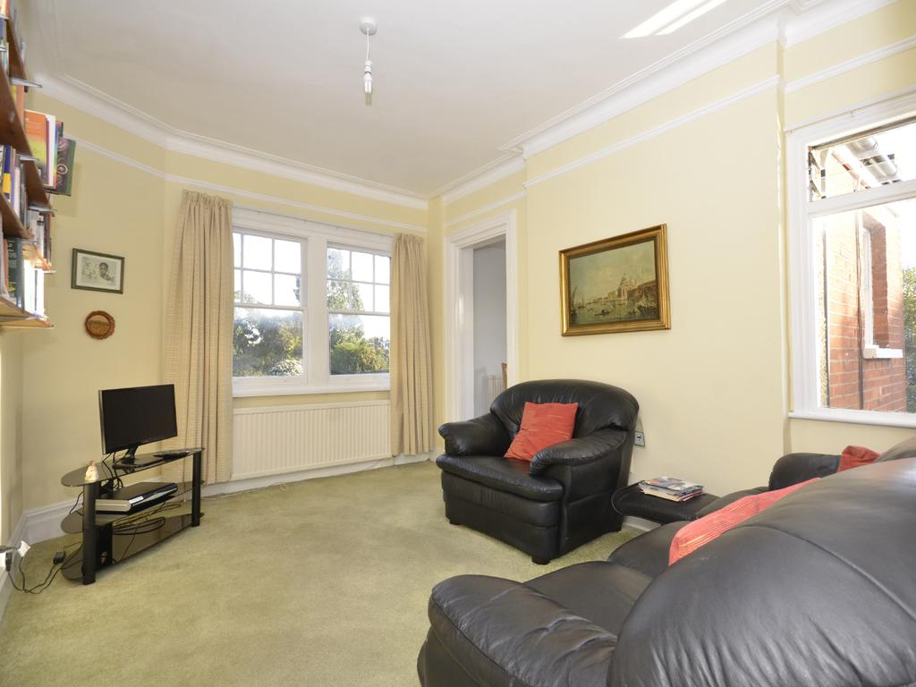 1 Bedroom Flat for sale in Priory Road, N8