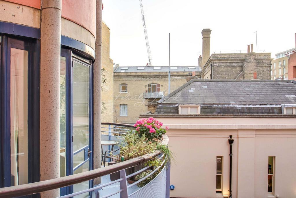 2 Bedrooms Flat for sale in Admirals Court, Horselydown Lane, SE1