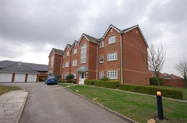 2 Bedrooms Flat for rent in Rollesby Gardens, St. Helens