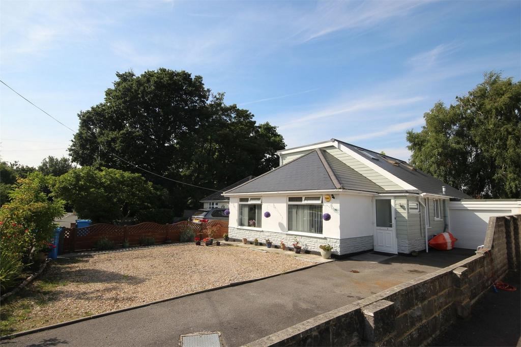 4 Bedrooms Chalet House for sale in Tatnam Road, POOLE, Dorset
