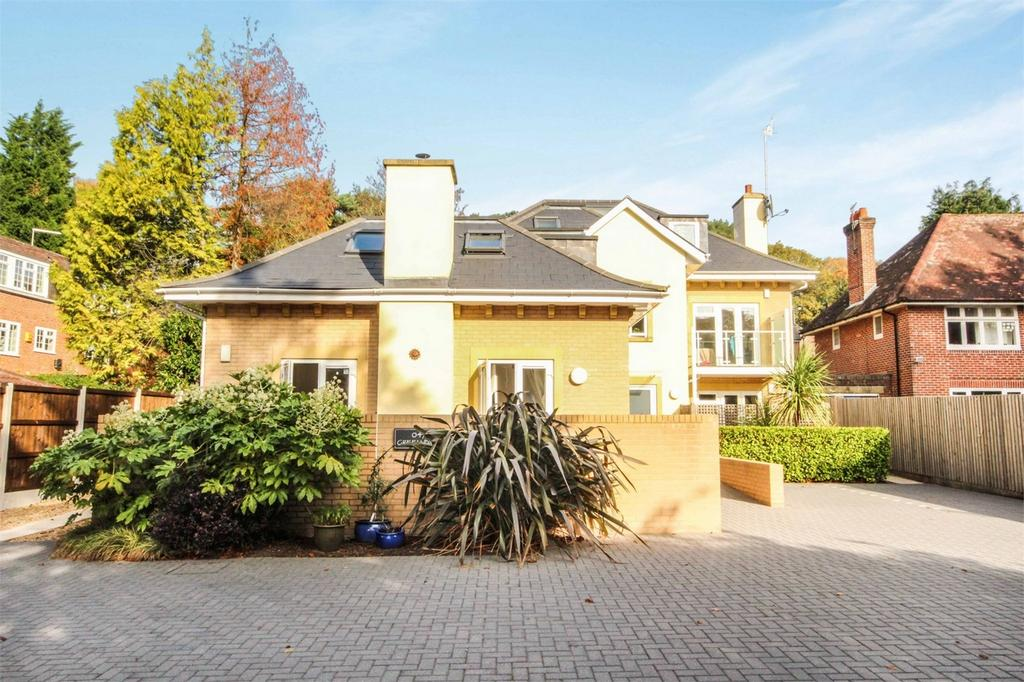 2 Bedrooms Flat for sale in 47 Branksome Wood Road, Westbourne, Bournemouth, Dorset