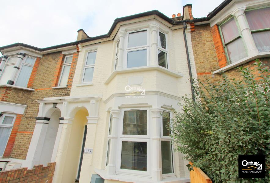 3 Bedrooms Flat for sale in First Floor Flat, Blackhorse Lane