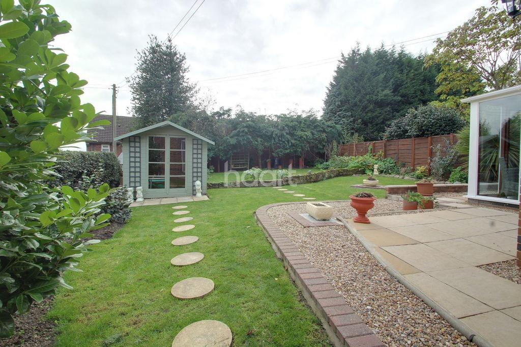4 Bedrooms Detached House for sale in Ladywood Road, Ilkeston