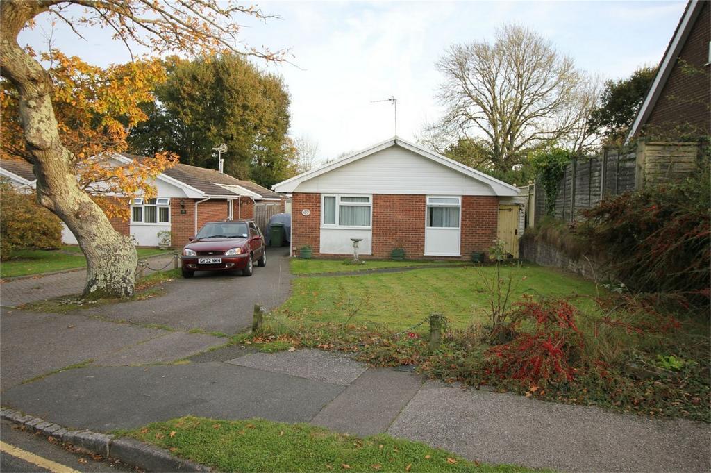 3 Bedrooms Detached Bungalow for sale in 37 Norman Close, BATTLE, East Sussex