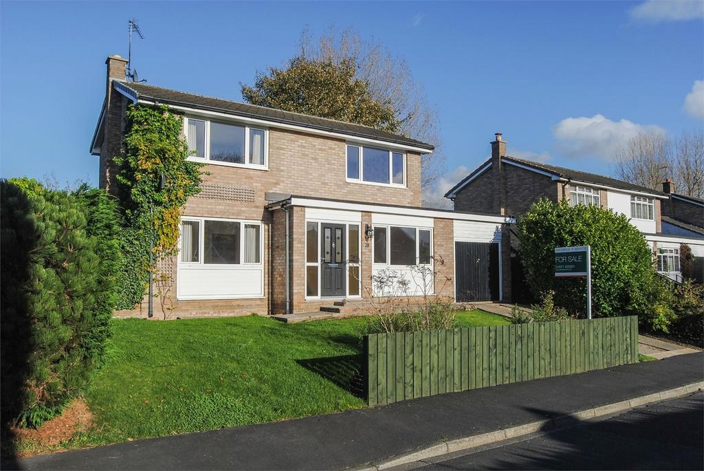 3 Bedrooms Detached House for sale in 28 Brookside Avenue, Bedale, North Yorkshire, GB