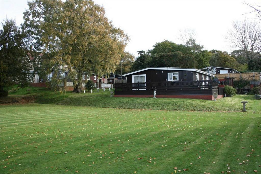 2 Bedrooms Park Home Mobile Home for sale in Battle Road, ST LEONARDS-ON-SEA, East Sussex