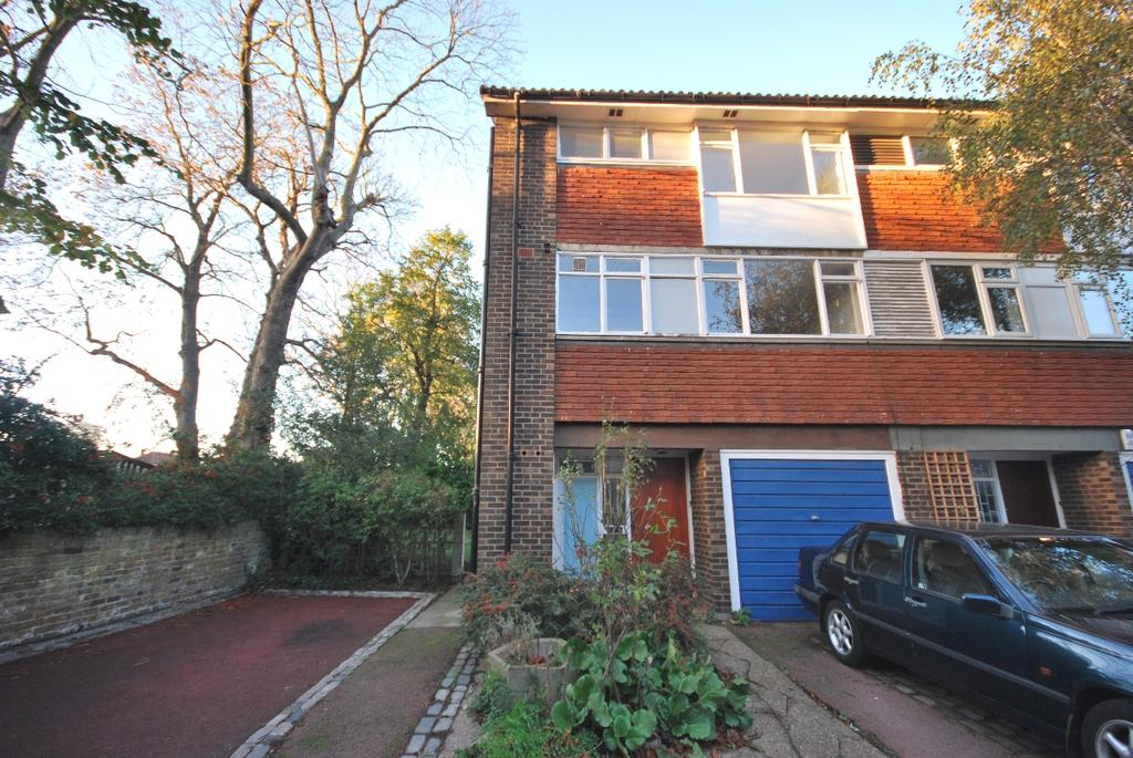 4 Bedrooms End Of Terrace House for rent in Pymers Mead SE21