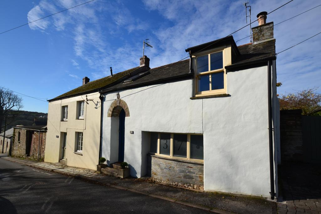 2 Bedrooms Semi Detached House for sale in Rhind Street, Bodmin