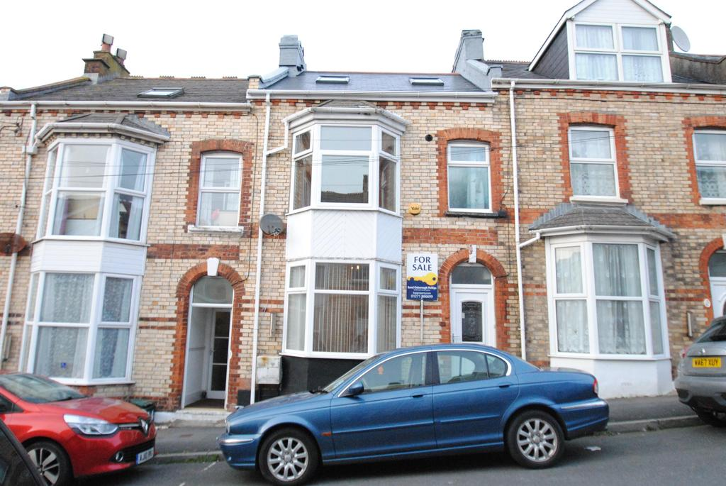 4 Bedrooms Terraced House for sale in Victoria Road, Ilfracombe