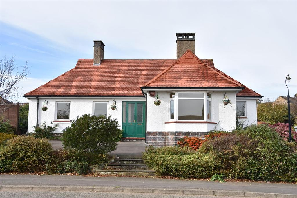 3 Bedrooms Bungalow for sale in High Street, Broughton, Kettering
