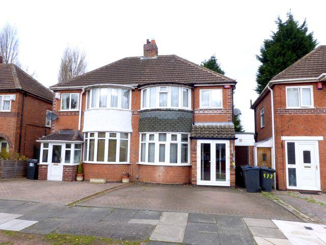 3 Bedrooms Semi Detached House for sale in Cramlington Road,Great Barr,Birmingham