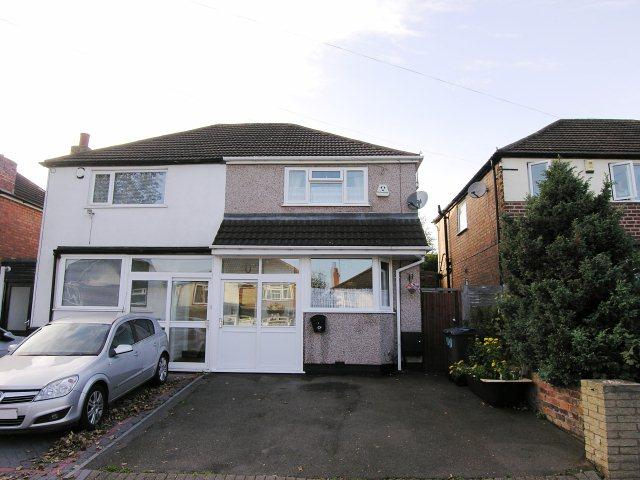 3 Bedrooms Town House for sale in Cavandale Avenue,Great Barr,Birmingham