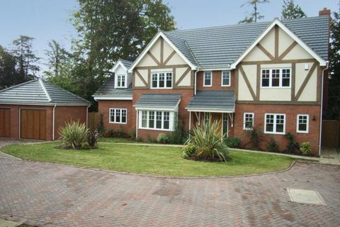 5 bedroom detached house to rent - Kensington Gate, Penfold Drive, Great Billing, Northampton, NN3
