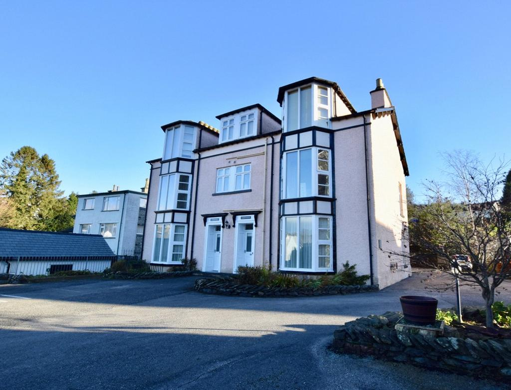 2 Bedrooms Flat for sale in Apartment 2, Green Bank Chase, Green Bank, Bowness-on-Windermere, Cumbria