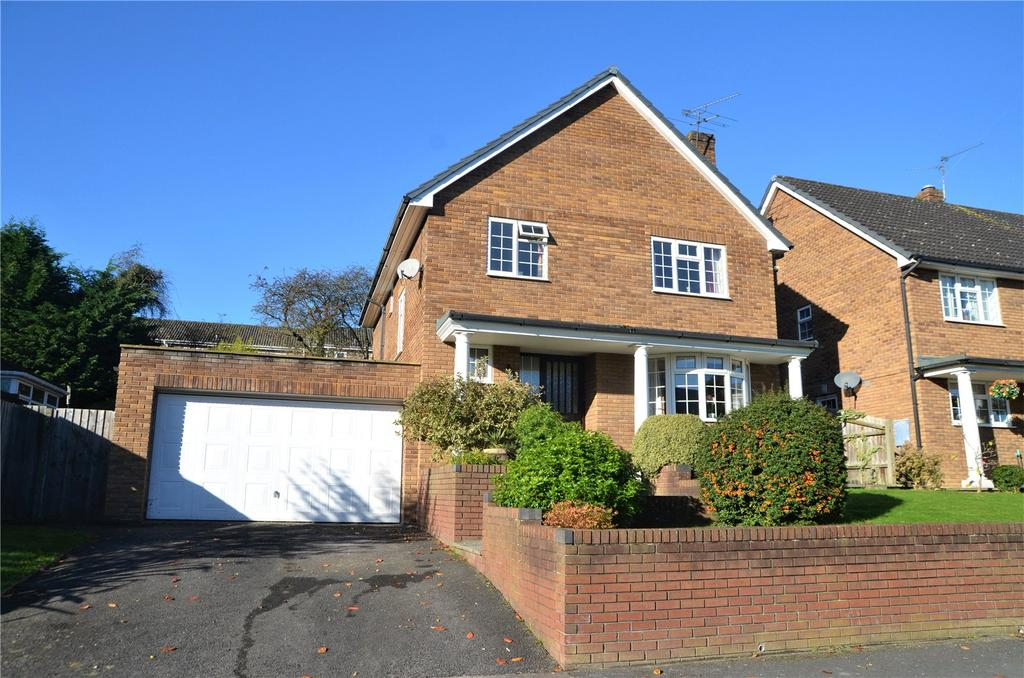 4 Bedrooms Detached House for sale in Fairway Avenue, Tilehurst, Reading, Berkshire, RG30