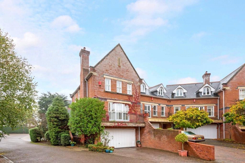 4 Bedrooms Terraced House for sale in Chapel Square, Virginia Water, Surrey, GU25