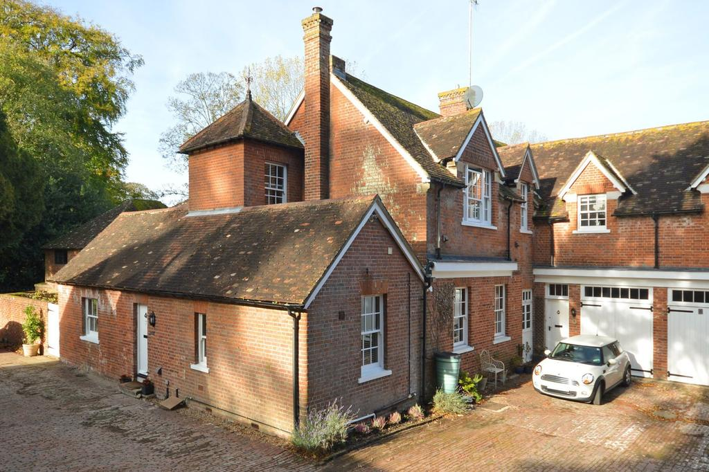 3 Bedrooms Terraced House for sale in Chilham, CT4