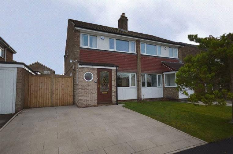 3 Bedrooms Semi Detached House for sale in Birkdale Drive, Leeds, West Yorkshire